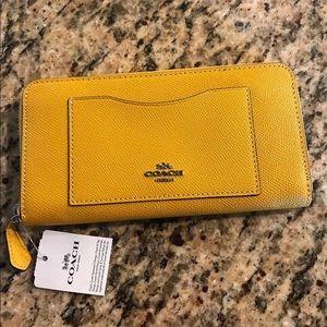 Coach accordion zip wallet